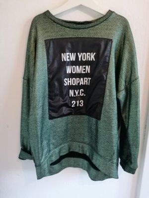 Metallic Sweatshirt Streetstyle