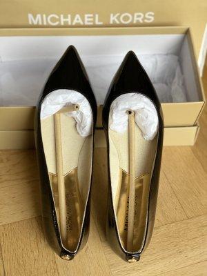 Michael Kors Bailarinas de charol con tacón negro-color oro