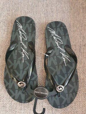 Michael Kors Flip Flops gr. 38 neu schwarz silber Slides Badeschuhe Latschen Schlappen