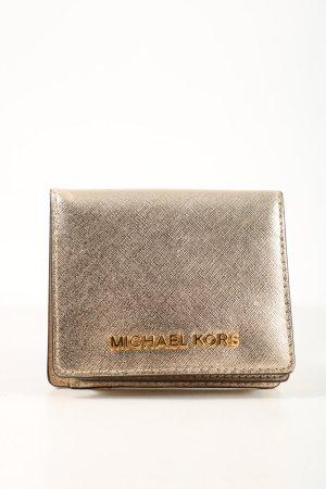 Michael Kors Cartera color oro estampado temático elegante