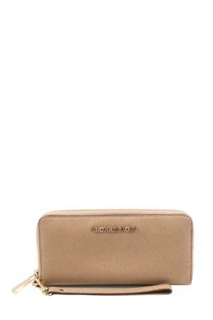 Michael Kors Wallet nude casual look