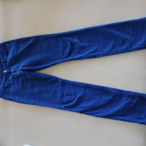 Michael Kors Jeans in der Trendfarbe Blau 2020