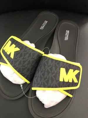 Michael Kors Sandalias de playa negro-amarillo neón