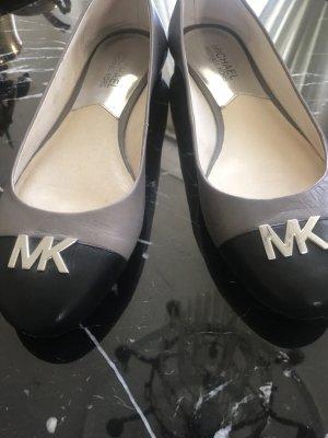 Michael Kors Pumps / Ballerina Gr . 38  grau