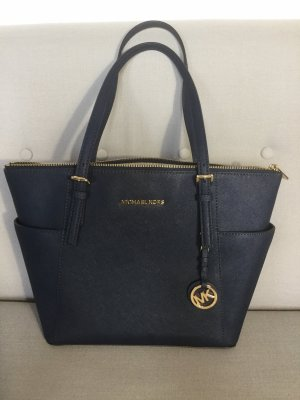 Michael Kors Shopper in Dunkelblau.