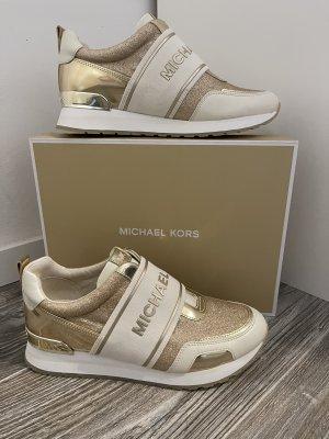 Michael Kors Sneaker in 8