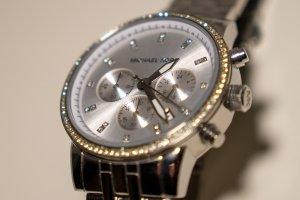 Michael Kors Reloj analógico gris claro