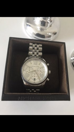 Michael Kors Uhr in zeitlosem Design