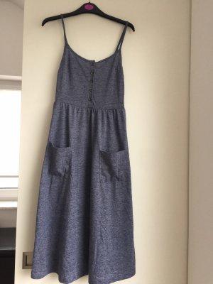 Midi Jersey Kleid in blau von Edited