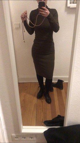Midi Kleid mit Rollkragen