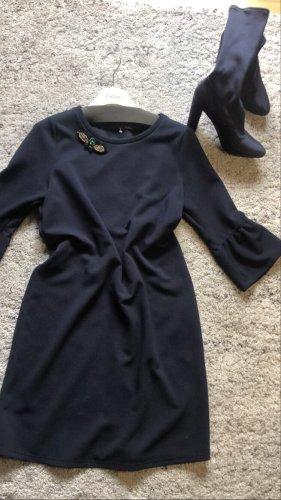 Midi Kleid  mit volantärmel und Brosche neu