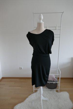 Ichi Vestido a media pierna negro Poliéster