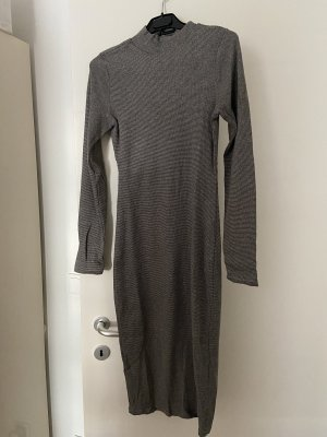 Midi Kleid, tailliert