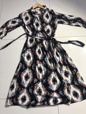 Midi Kleid von Mango