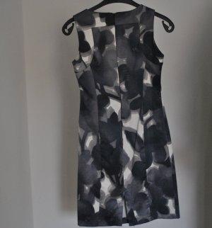 Midi-Kleid von Mary P.