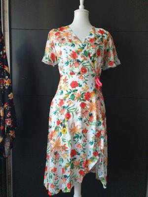 midi sommer Kleid weiss Blumen
