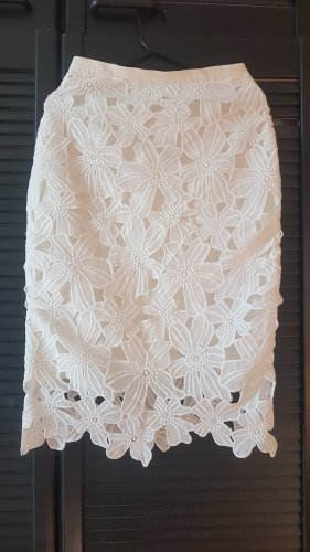 Koronkowa spódnica biały