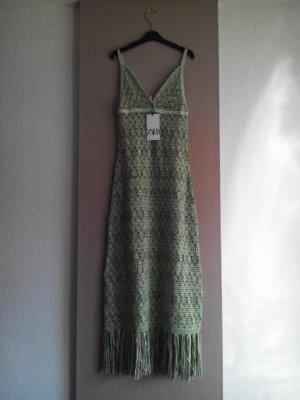 Midi-Strick- Trägerkleid aus 48% Baumwolle mit Fransen, Größe 36, neu
