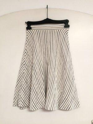Falda acampanada blanco-negro