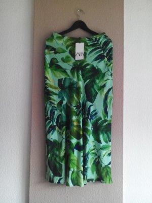 Midirock mit Tropischem-Print in grün, Größe S, neu