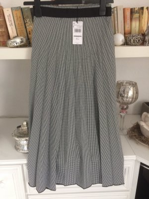 Mango Pleated Skirt black-white