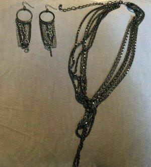 Miley Cyrus Max Azria Schmuckset Ohrringe und Halskette