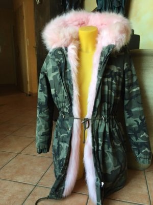 Military Winterjacke mit rosa Fake Fell