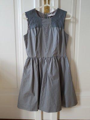 Mini Kleid in grau mit Lederapplikationen, Gr. 36, &other stories