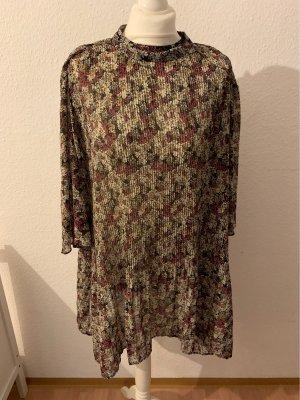 Mini-Kleid mit Flatterärmeln