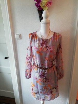 Mini Kleid mit langen Ärmeln