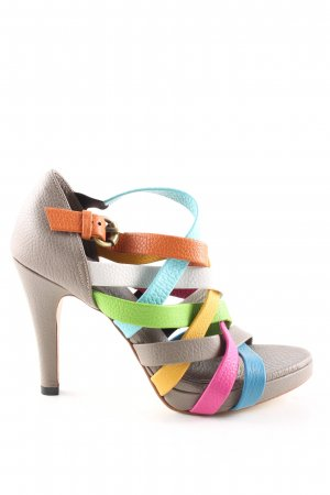Strapped pumps striped pattern casual look