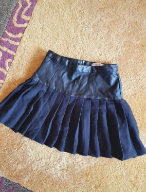 Pull & Bear Pleated Skirt black