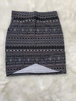 Reserved Mini rok wit-zwart