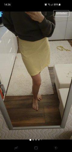 Mini von H&M in Gr. 36 gelb