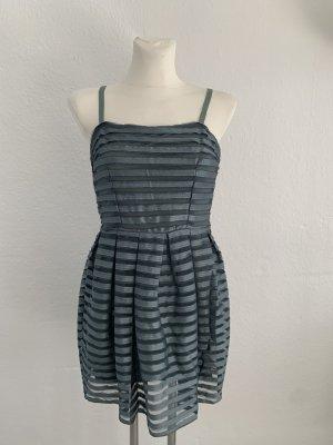 Minikleid in Kadettblau mit Unterkleid von H&M!