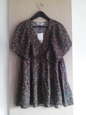 Minikleid mit Blumenprint aus 100% Viskose, Grösse M, neu