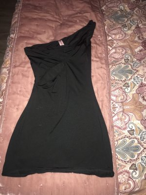 Vestido cut out negro
