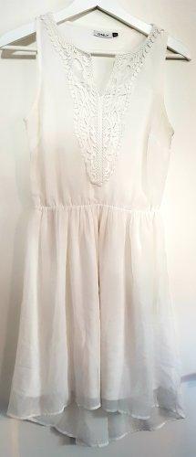 Minikleid / Sommerkleid von ONLY, wollweiß mit Spitzenstickerei am Ausschnitt, Größe S