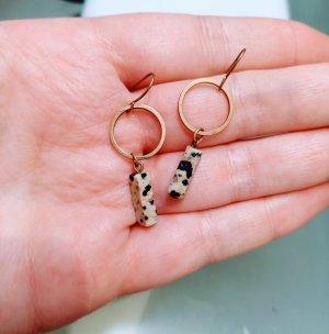 Minimalistische Dalmatiner-Ohrringe
