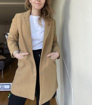 Minimalistischer edler Mantel