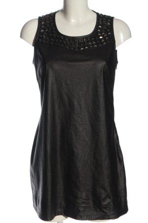 Minimum Vestido línea A negro look casual