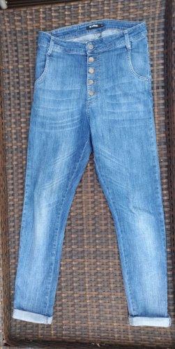 Minimum Jeans im Boyfriend Stil Gr. 26