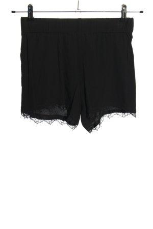 Minimum Shorts black casual look