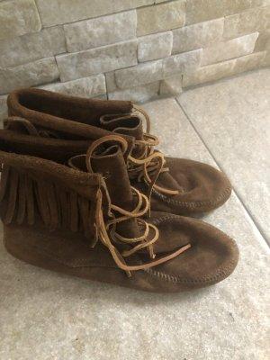 Minnetonka Boots Braun