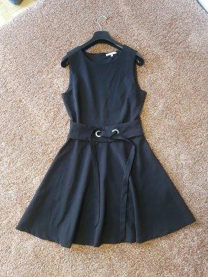 mint & berry Kleid 36 schwarz mit Talliengürtel