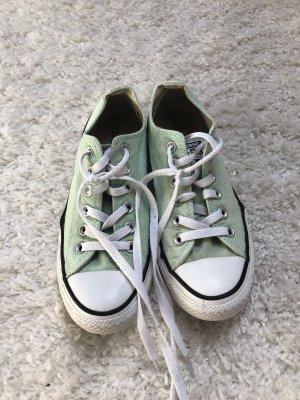 Mintgrüne chucks von Converse