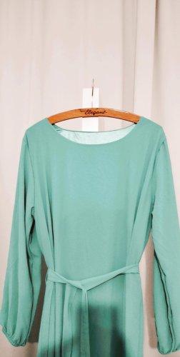 mintgrünes Langarm-Kleid