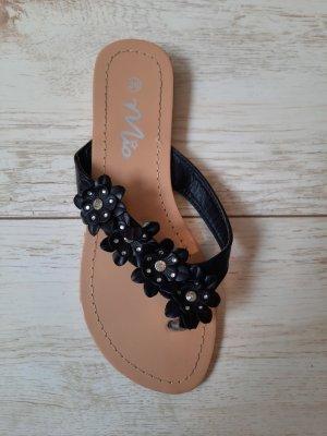 Mio Flip-Flop Sandals black-silver-colored