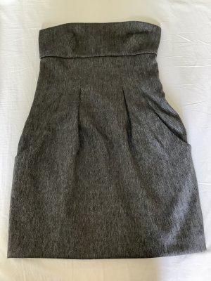 Miss Sixty Sukienka z dekoltem typu bandeau jasnoszary-czarny