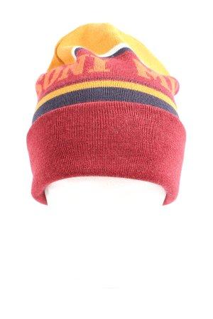 Missoni Sombrero de punto letras impresas look casual